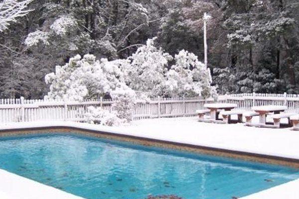Come mantenere una piscina in inverno