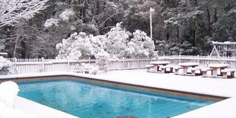 Come mantenere la piscina in inverno